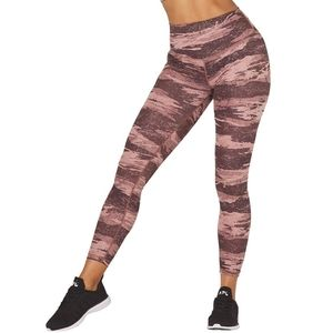 GLYDER Sultry Cocoa Pink Distressed Camo Print Formaflex High Rise Leggings sz S